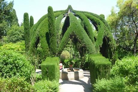 Viajar a barcelona jardines de laribal - Jardines de barcelona ...