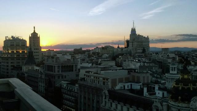 Vistas hacia la Gran Vía desde la azotea del Círculo de Bellas Artes.