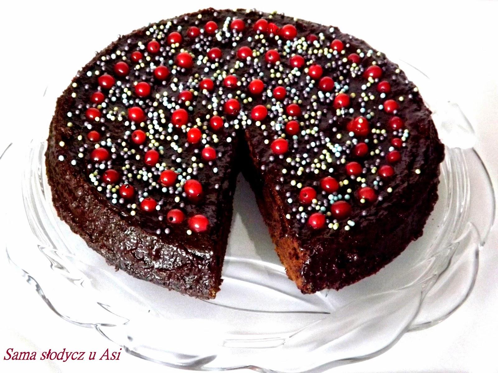 Ciasto mocno czekoladowe z cukierkami Snickers
