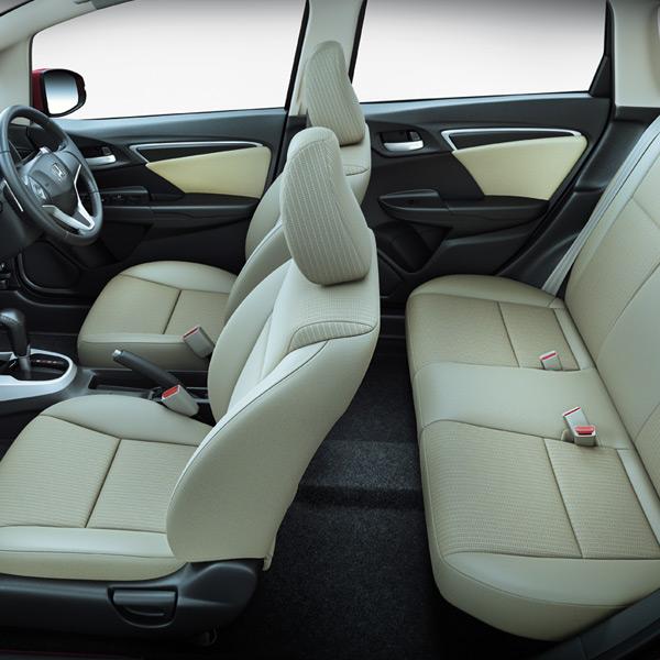 Honda%2BJazz%2Binterior ஹோண்டா ஜாஸ் கார் விற்பனைக்கு வந்தது