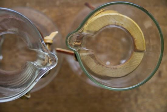 ドイツ製とアメリカ製ケメックスの比較 ガラスの色の違い