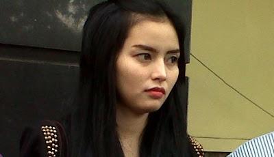 Titit Tante: Foto-foto DJ. Seksi Verny Sebelum Hamil
