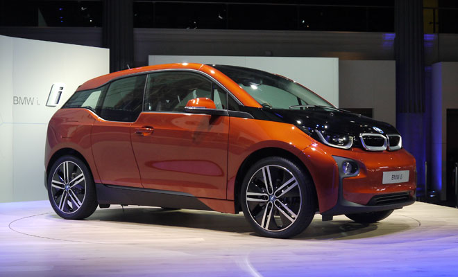 BMW i3 debut - side view in orange