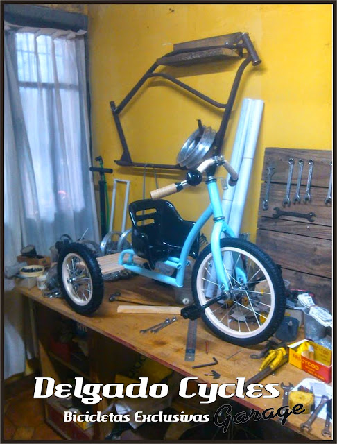 Triciclo Kustom vintage asiento regulable.