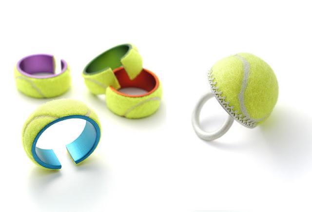 Bolinhas de tênis viram acessórios de moda