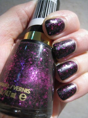 Revlon-Scandalous-nail-polish