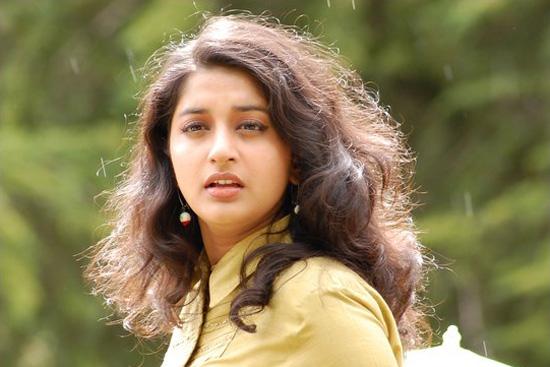 Meera Jasmine In Run Tamil actress meera jasmine