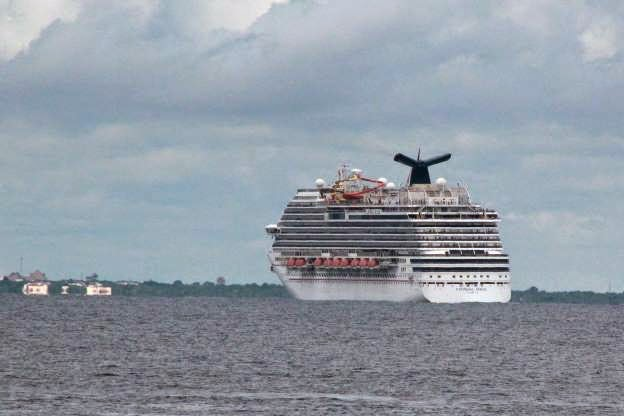 Cruise ship with monitored health worker returns