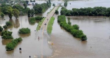 Fuesrtes lluvias causan graves inundaciones en Argentina