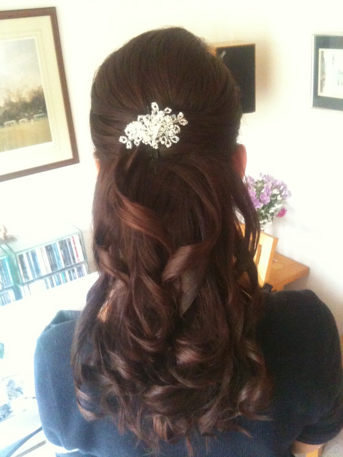 Wedding hair accessories gloucestershire - Sarah S Wedding At Owlpen Church And Kingscote Barn