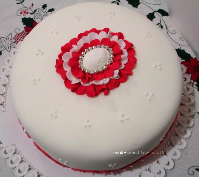 una torta di gusto neoclassico per il mio compleanno: la torta cammeo