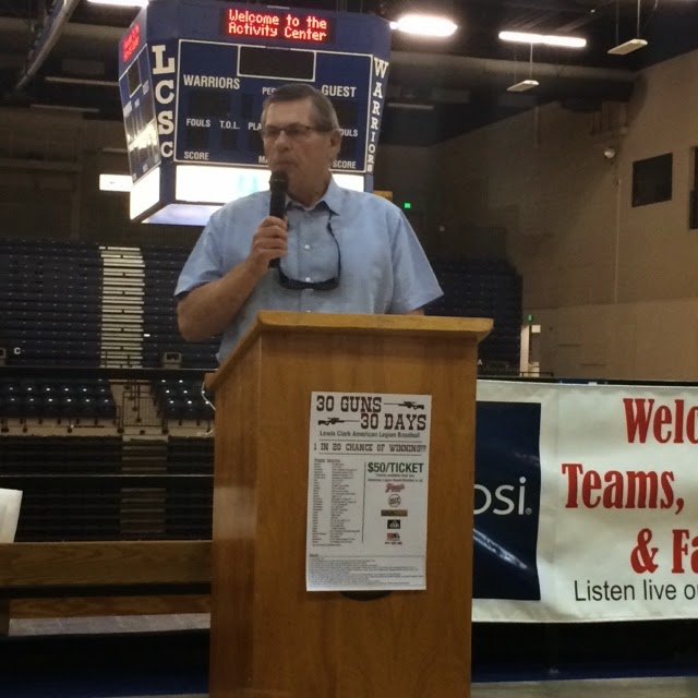 Former major leaguer, & LC-ALB/LHS player and coach Jim Minnette delivers the keynote speech