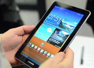 Samsung Galaxy 7.7 price and specs - Android Tablet can phone and SMS