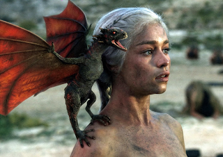http://1.bp.blogspot.com/-xuOq4A6L_Y8/UW8EkqrF96I/AAAAAAAAAxY/g0l_UMA9ibc/s1600/Emilia_Clarke_Mother_of_Dragons.png