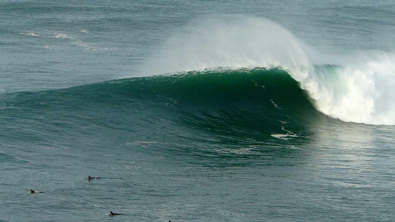 surf menakoz diciembre 2015 olas grandes 17b