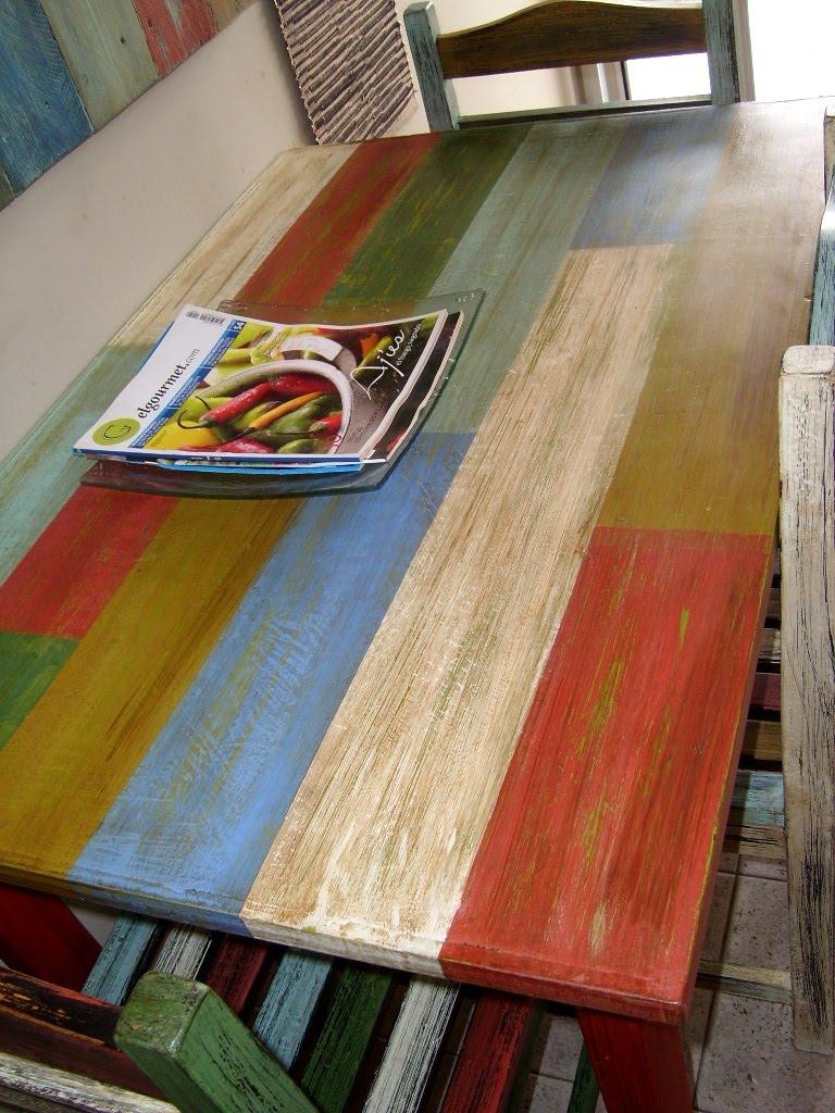 Deco project desgastado envejecido en juego de mesa y sillas for Colores muebles madera
