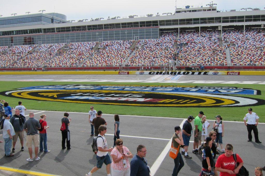 Kiwi 39 s ride to the wall in washington d c 5 19 12 for Nascar ride along charlotte motor speedway