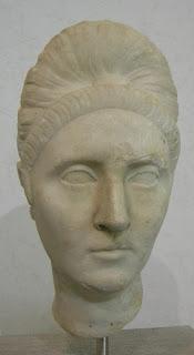 Pompeya Plotina,  esposa de Trajano -  a. muerte 121 o 122 d.C. (2)