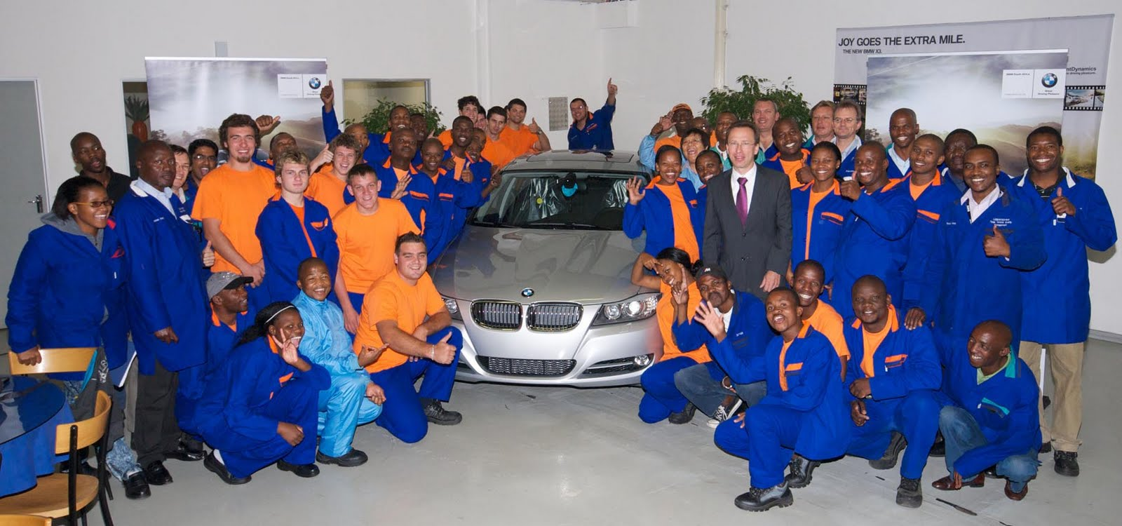 In4ride 300 000th Bmw 3 Series Rolls Off Rosslyn Plant