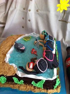 tarta de la familia buceadora con su amigo el tiburón fotógrafo