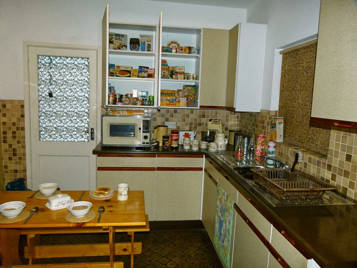York Castle, 1980s, mum's kitchen, growing up in Britain