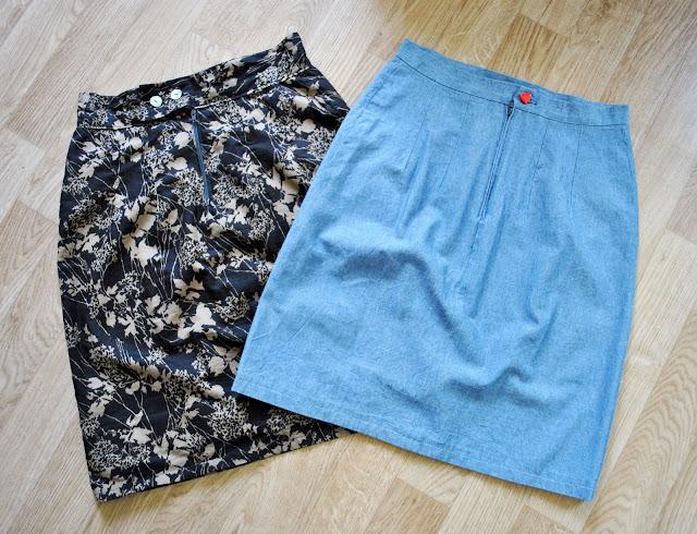 funky sunday un patron deux possibilit s 1 la jupe droite. Black Bedroom Furniture Sets. Home Design Ideas
