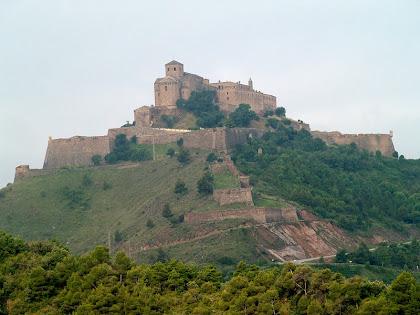 El Castell de Cardona des del Bosc del Pinell