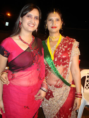 Real Life Desi Aunties Saree Below Fat Fleshy Navel Picture