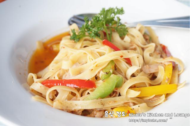 Tuna pasta di Nicole's Kitchen and Lounge