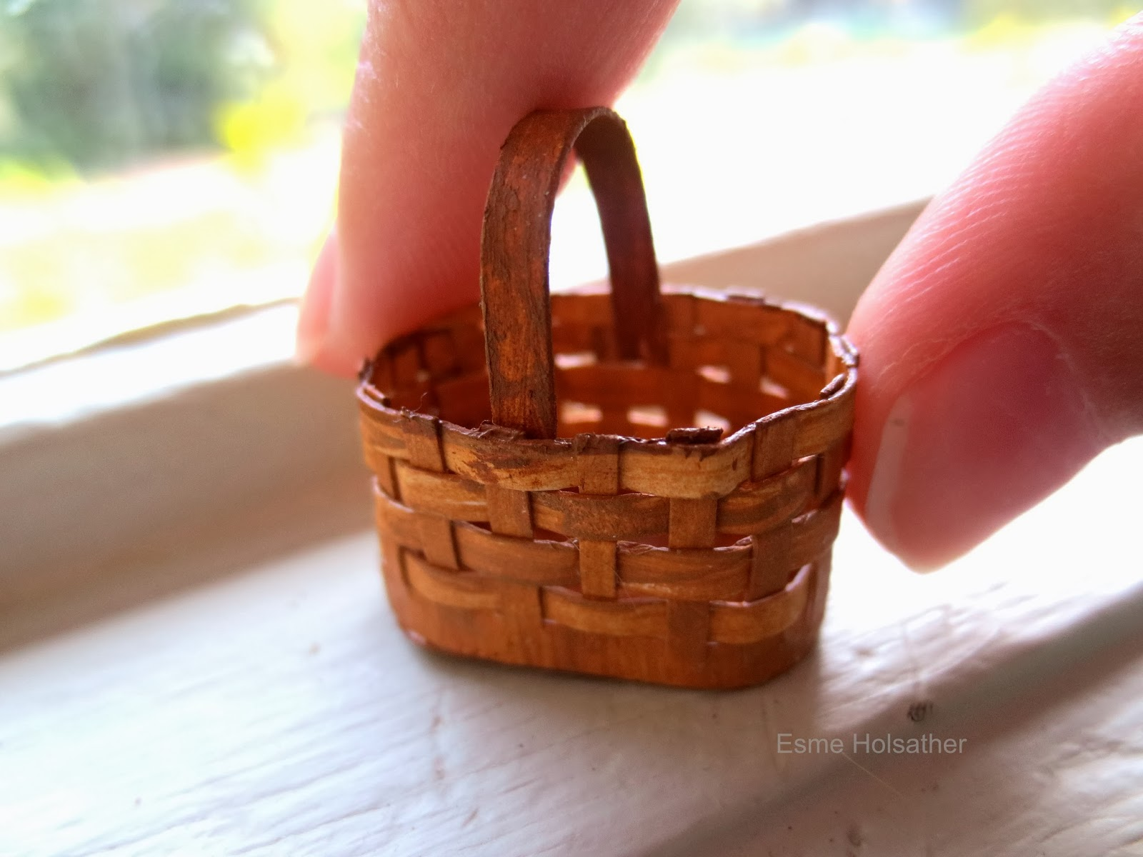 How To Weave A Mini Basket : Es a few miniatures