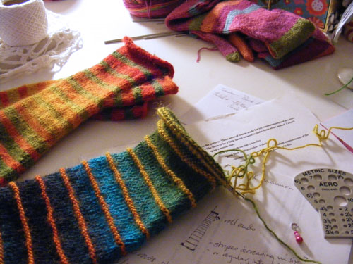 la belle helene whole lotta knitting going on. Black Bedroom Furniture Sets. Home Design Ideas