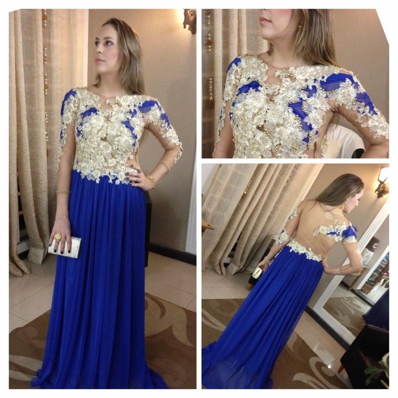Vestido azul bordado com perola