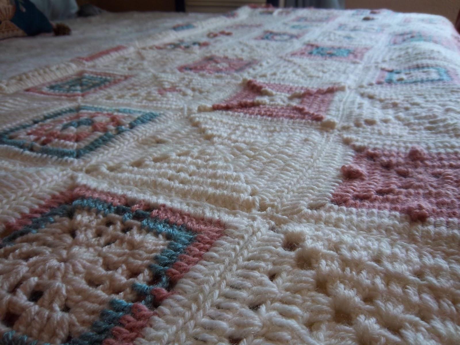 Mi sala de costura colcha ganchillo en tonos pastel for Colchas de punto de lana