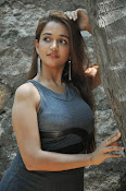 anaika soti latest sizzling photos-thumbnail-2