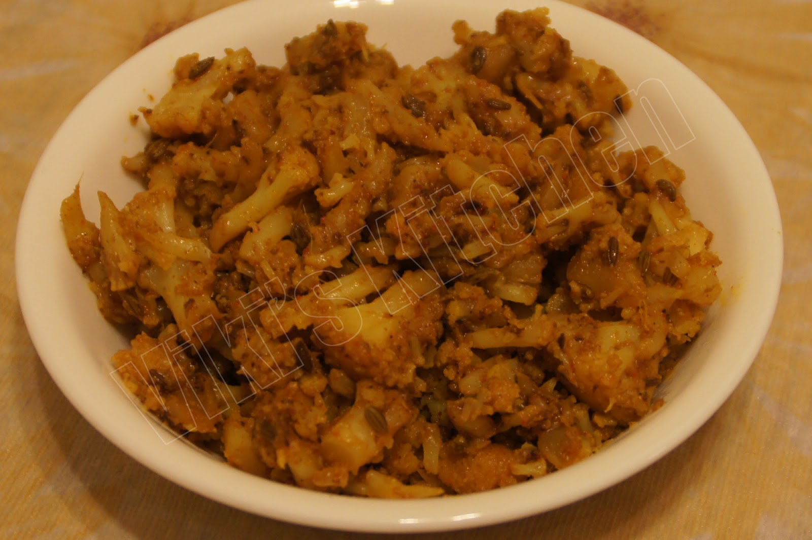 here is a cauliflower fry i usually make as side dish for chapati
