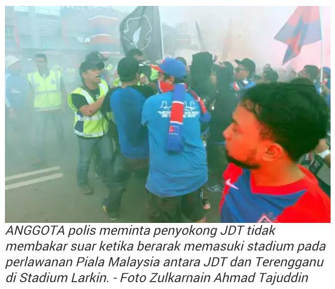 MACAM DEMO PEMBANGKANG Penyokong JDT BIKIN KECOH bertembung Dengan Polis
