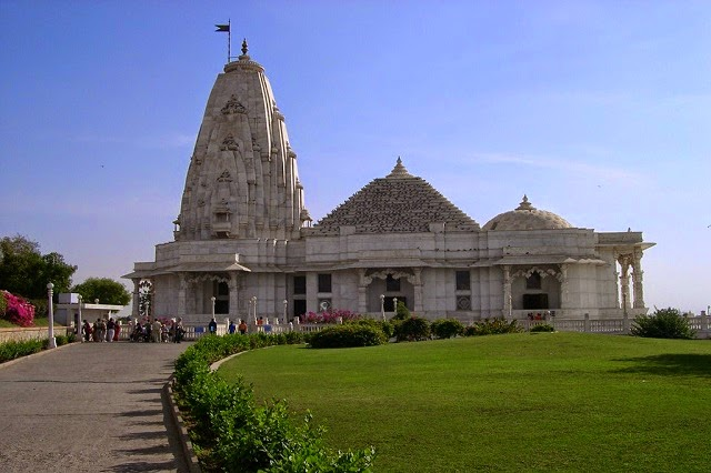 Birla Temple at Jaipur is one of the major tourist place in Rajasthan