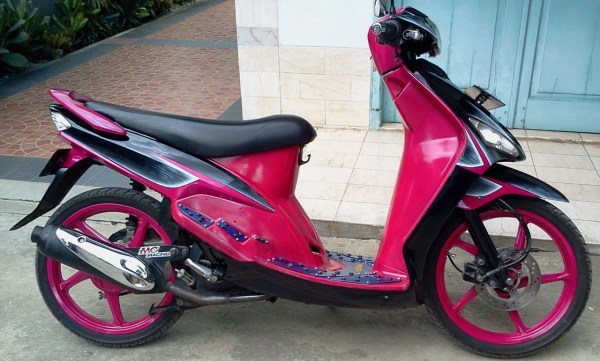 ide modifikasi mio sporty warna pink