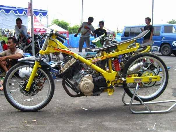 Gambar Motor Drag Suzuki Satria FU