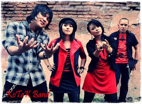 """9 Lagu Indonesia Paling """"Ganggu"""" 2010"""