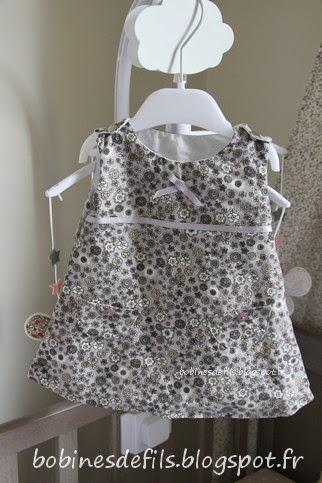 La robe chasuble fleurie / bobinesdefils.blogspot.fr