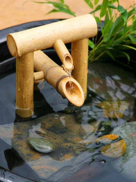 Bamboo deer chaser fountain bamboo craft photo - Shishi odoshi bamboo water feature ...