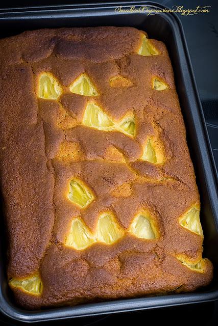 Maślankowo-owsiane ciasto z ananasem