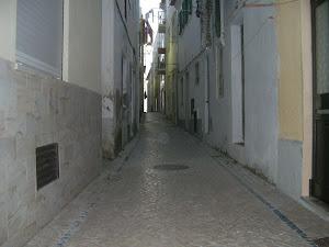 Rúa en Nazaré, Portugal