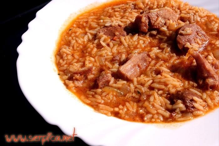 Paprikaš sa pirinčem i suvim mesom