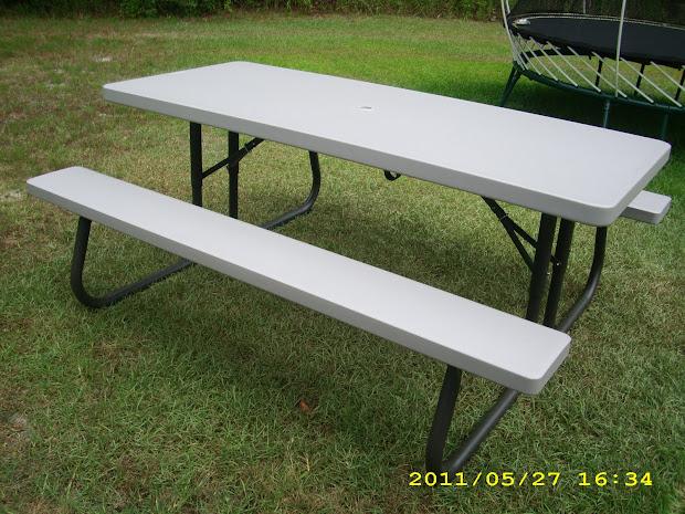 Lifetime 6 Folding Picnic Table