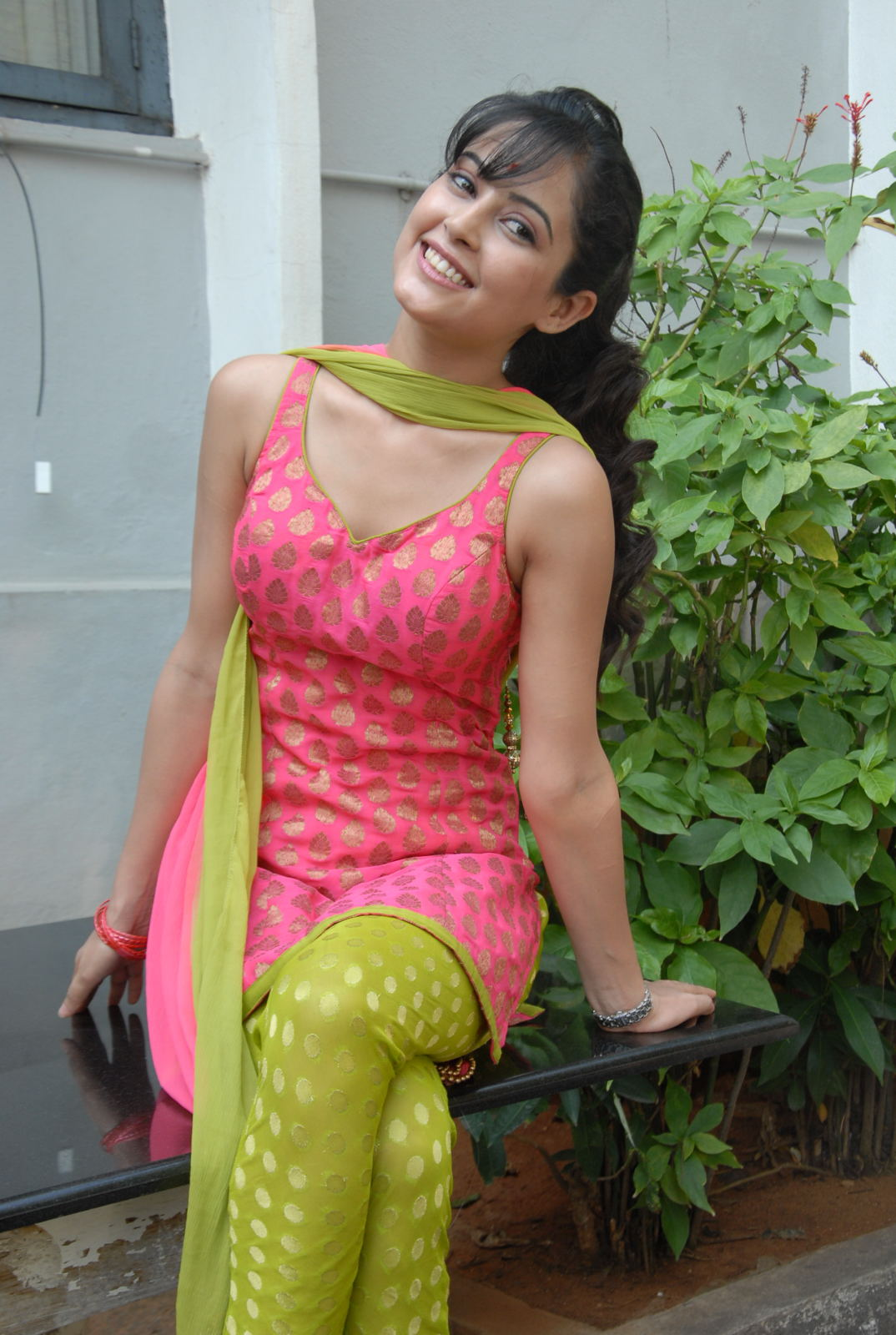rosy pinky Disha pandey latest glamorous photo shoot gallery