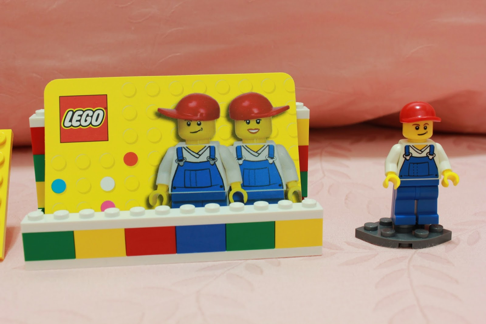 lurkerr\'s blog: Lego 850425 Desk Business Card Holder
