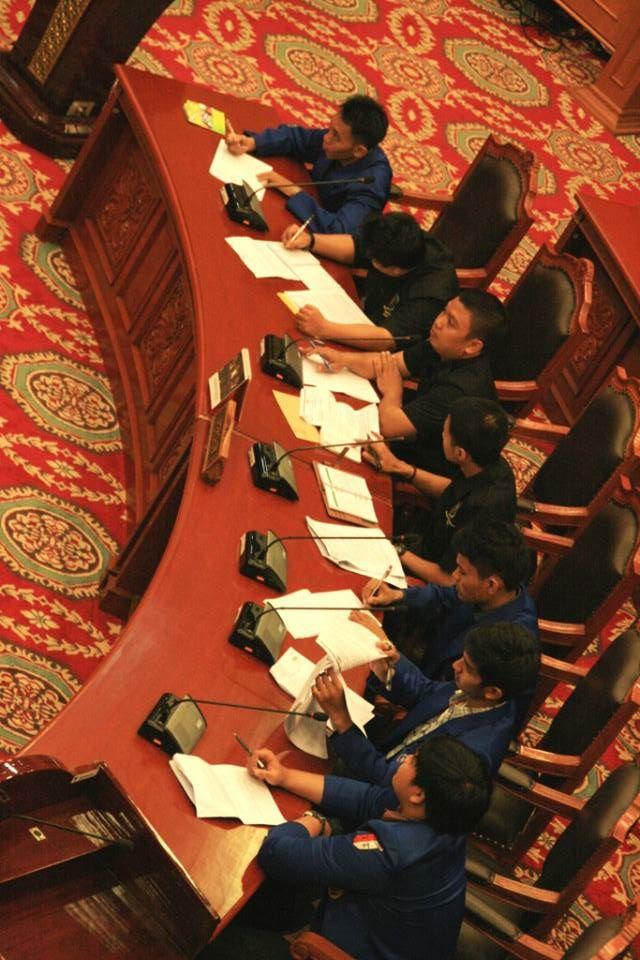 forum kajian hukum dan konstitusi  judicial review  u201csyarat