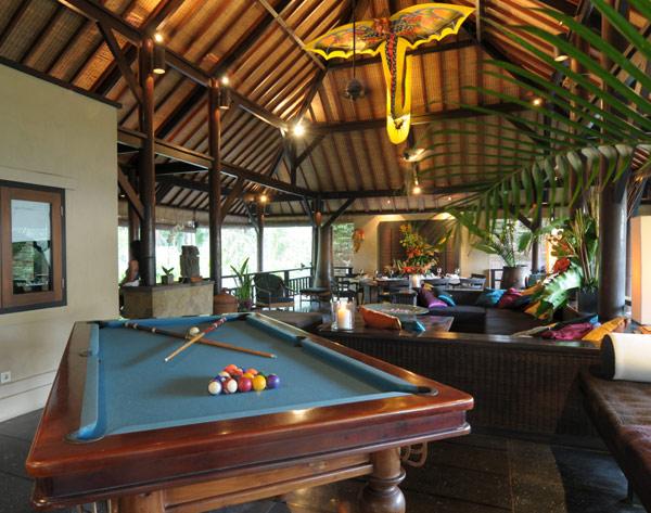 Villa-Kacang-2nd-Floor-Living-room-Jasri-Beach-Villas-in-Bali